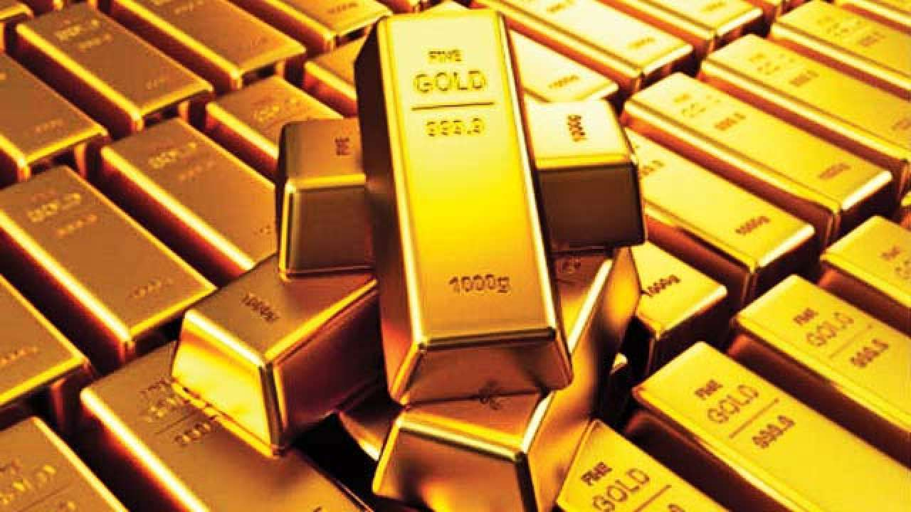 Gold Price falls Rs. 10,000 from record highs, reaches 8-month low.