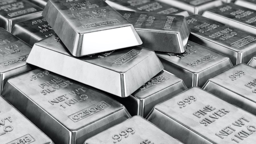 Gold above Rs 47,300, MCX silver set to cross Rs 70,500 level